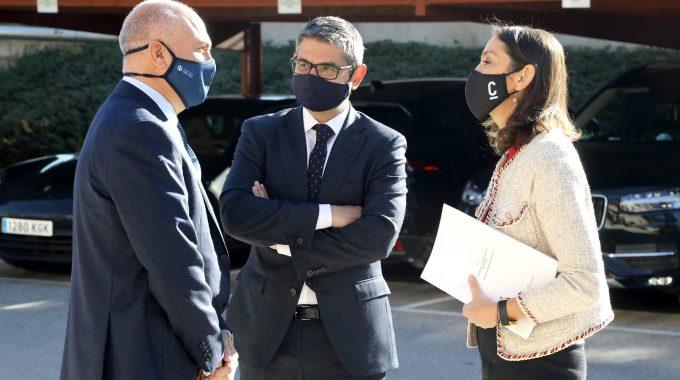 El Alcalde De Alcobendas Y La Ministra De Industria Se Reúnen Con El Sector Farma