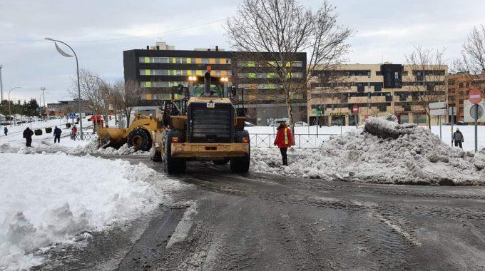 Continúa El Trabajo De Los Servicios Municipales Para Recuperar La Normalidad