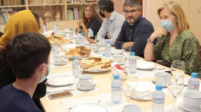 Alcobendas Da La Bienvenida A La Familia Afgana Que Reside En El CAR De La Ciudad